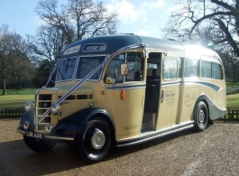 Vintage bus for weddings in Basingstoke